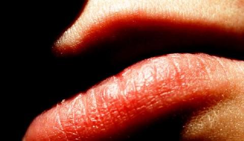 20061025082603-56311343.lips.jpg