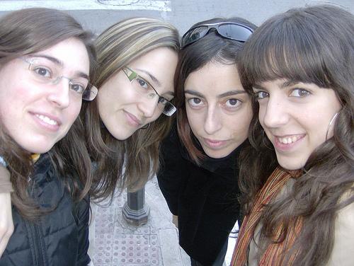 Mari, Reichel, Mota & Chú